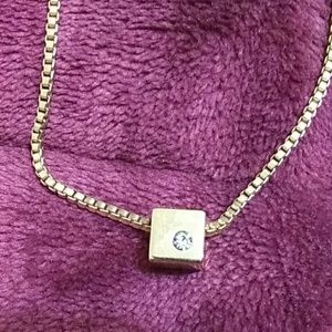 EUC crown Trifari necklace